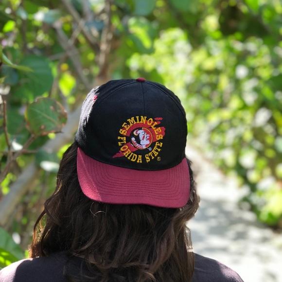 df50fae062f VINTAGE Florida State SnapBack hat. M 5ab8404746aa7c982ef006ef